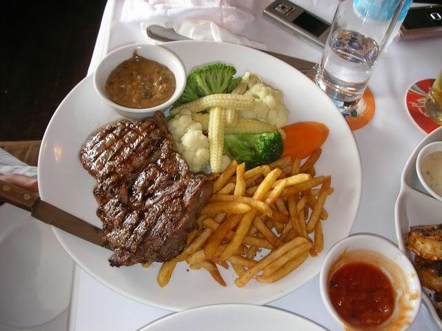 Chế biến món Bò bít tết kiểu Thái