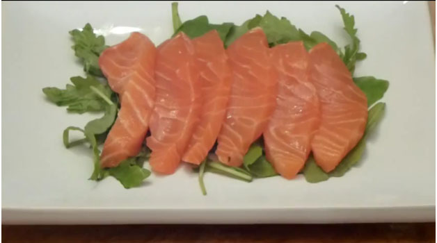 Hướng dẫn cắt sashimi cá hồi
