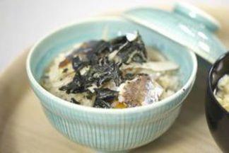 Cơm nấu với cá sanma kiểu Nhật