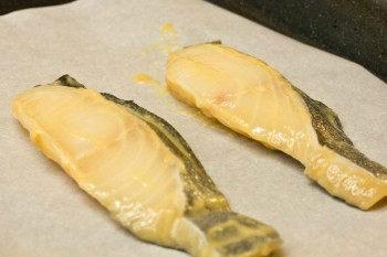 loại bỏ miso trước khi nướng